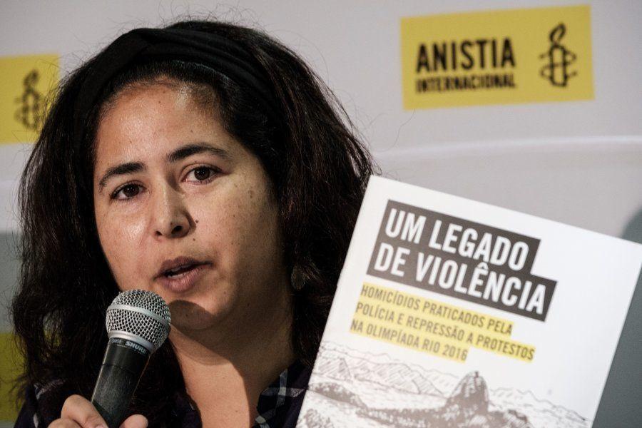 Renata Neder, coordenadora da Anistia Internacional, em foto de