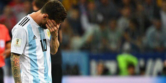 Cinco vezes melhor do mundo, Lionel Messi está perto de dar adeus de forma melancólica à Copa da