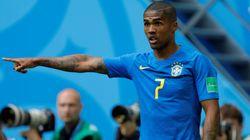 Philippe Coutinho, melhor em campo segundo a Fifa. Douglas Costa, o melhor segundo a