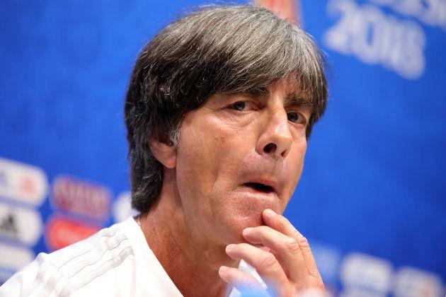 Alemanha, do técnico Joachim Löw, joga contra a Suécia para evitar