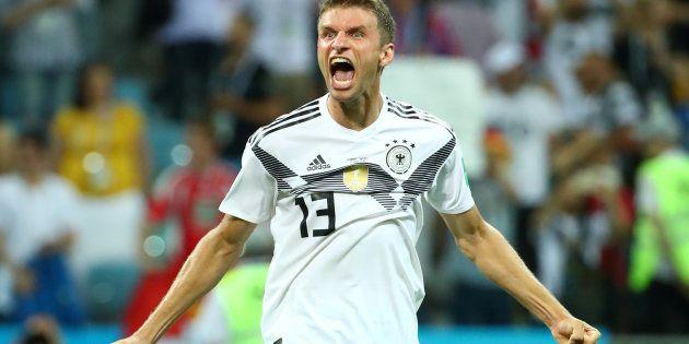 Alemanha, de Thomas Muller, bateu Suécia no último lance do