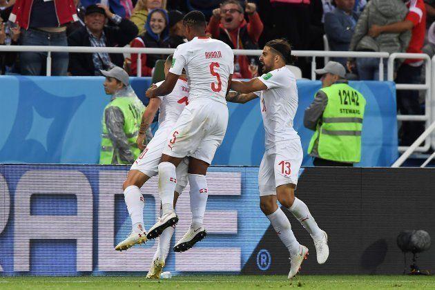 Suíça virou contra a Croácia e divide a liderança com o