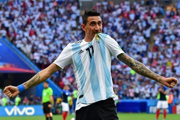 Di Maria marcou um golaço no fim do primeiro tempo e recolocou a Argentina no
