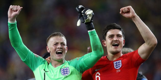 Ingleses comemoram vitória sobre a Colômbia nos pênaltis e a última vaga no grupo das 8 melhores seleções...