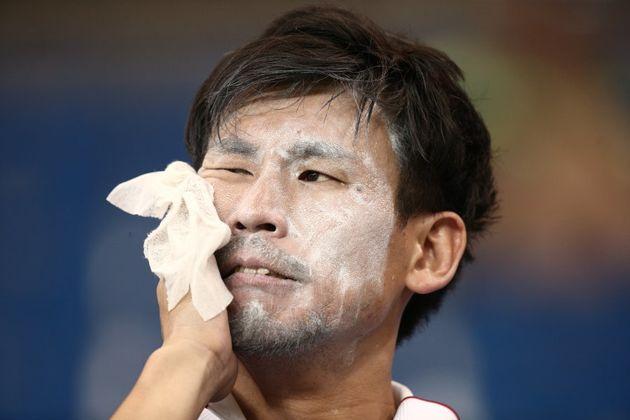 Desespero japonês. Torcedor não se conforma com queda no último lance da