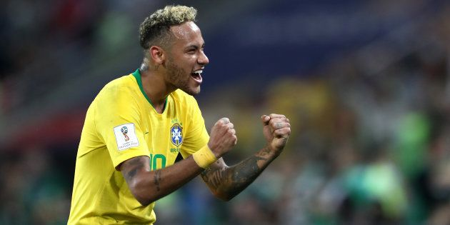 Comemora, Neymar! Camisa 10 está voando na Copa e quebrando