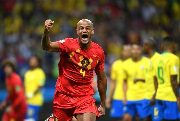 Kompany subiu com Fernandinho no lance do primeiro gol, mas quem mandou para as redes foi o