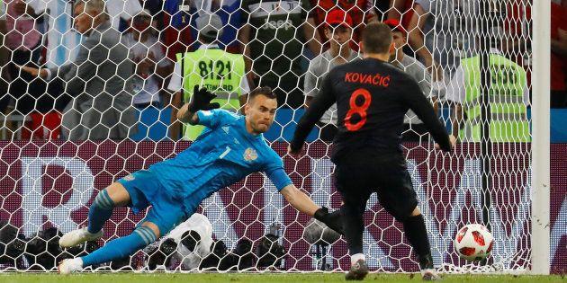 Croácia bateu a Rússia na disputa por pênaltis e foi à semifinal da