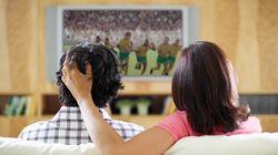 A reação do casal anti-Copa com a volta da Seleção pra
