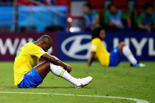Fernandinho foi um dos piores em campo contra a Bélgica e saiu em baixa do