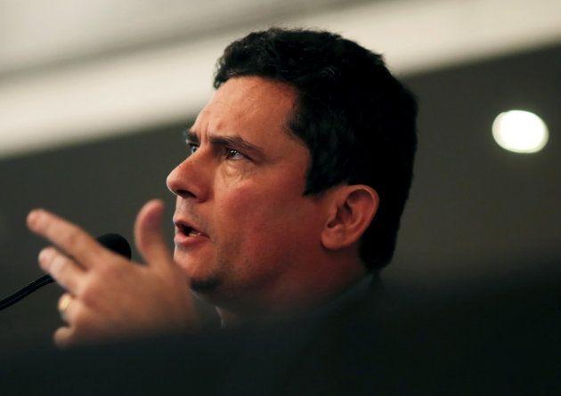 O juiz Sergio Moro é acusado pelo PT de ter interferido ilegalmente contra o pedido de soltura do ex-presidente