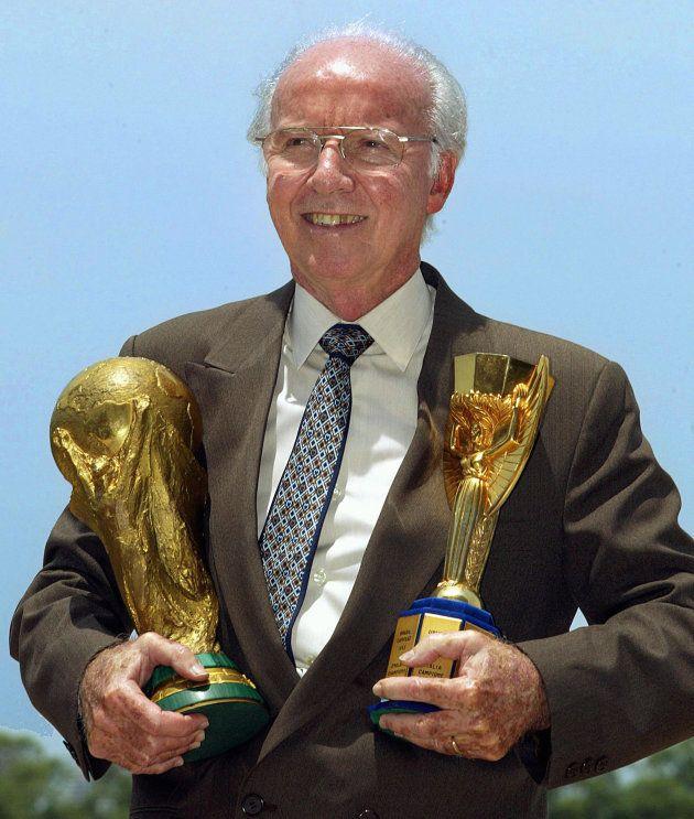 Zagallo foi campeão como jogador, técnico e também como auxiliar: 4 Copas no currículo