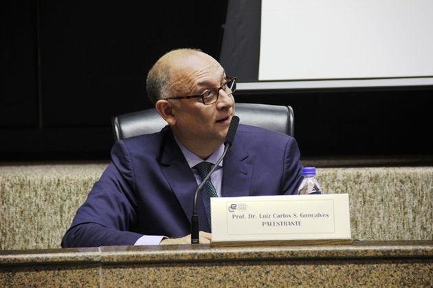 'As regras eleitorais vigentes dificultam a renovação', afirma Luiz Carlos dos Santos