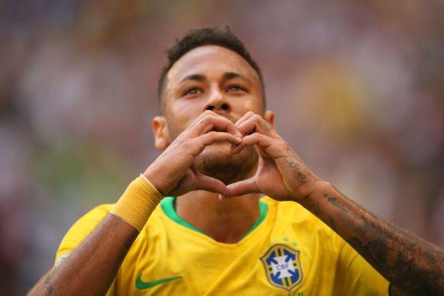 Neymar é o 2º jogador mais bem pago do