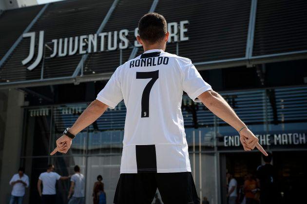 Cristiano Ronaldo ainda nem foi apresentado pela Juventus, mas camisas com o número 7 já bateram recorde...