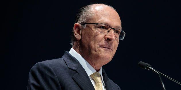 Alvaro Dias (Podemos) descarta ser vice de Geraldo Alckmin (PSDB) devido à alta rejeição do