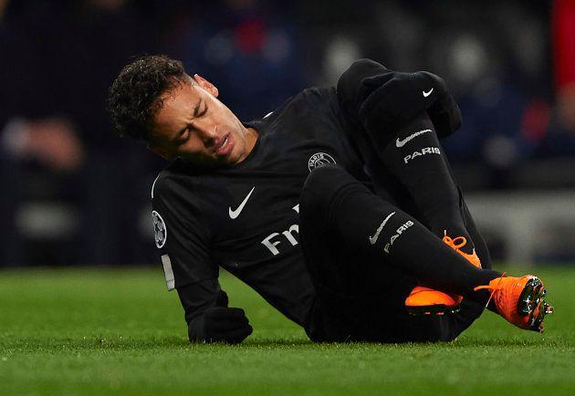 Lesão certamente prejudicou temporada de Neymar e briga pelo The
