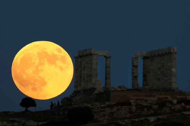 Lua cheia no Templo de Poseidon, na
