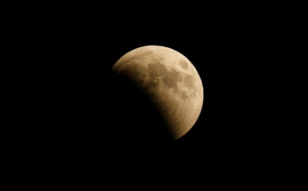 Eclipse lunar em Gaza, na