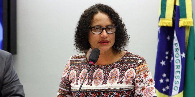 Presidente do PCdoB, Luciana Santos pode ser vice de Paulo Câmara (PSB) ao governo de