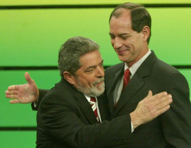 Ciro e Lula em debate presidencial em 2002. No ano seguinte, Ciro passou a integrar o governo de Lula...