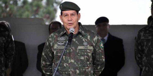 O general da reserva Hamilton Mourão (PRTB) foi oficializado como vice de