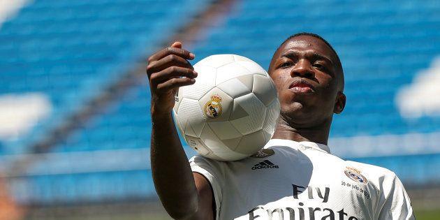 Vinícius Júnior tem encantado a torcida do Real Madrid e é nome certo na renovação do ataque da Seleção