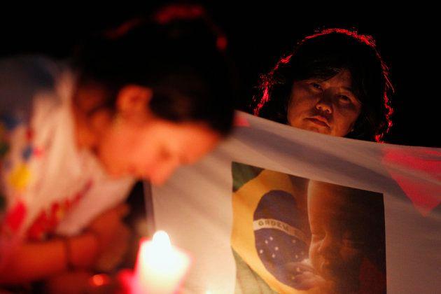 Em 2012, católicos fizeram uma vigília em frente ao STF para pressionar ministros a votarem contra a...