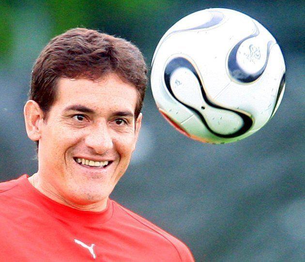 Zagueiro Gamarra brilhou no Brasil com as camisas de Palmeiras e, principalmente,
