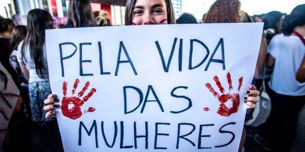 Segundo a OMS (Organização Mundial da Saúde), o Brasil é o quinto país que mais mata mulheres. São 4,8...