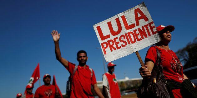 Nesta quarta, uma marcha até o TSE (Tribunal Superior Eleitoral) tomou as ruas na zona central de Brasília