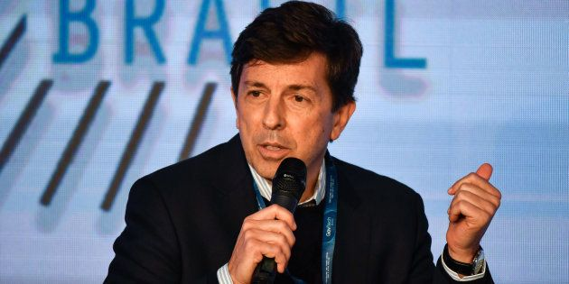 João Amoêdo quer atacar privilégios de servidores públicos e políticos na