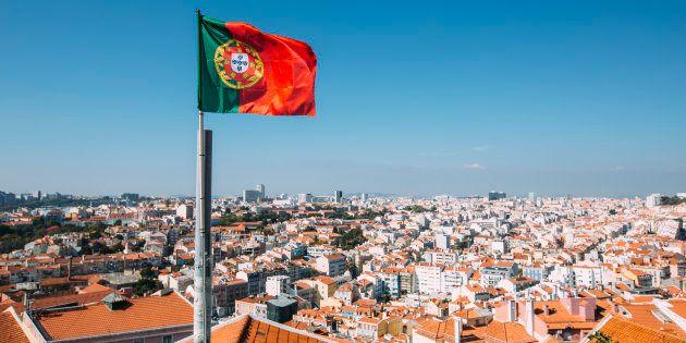Nos últimos tempos, Portugal, e especialmente Lisboa, tem recebido mais turistas. Conversamos com especialistas para entender por quê.