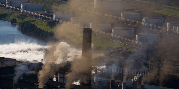 O plano de governo de Marina Silva prevê estímulos a redução do carbono, por meio de um adicional simbólico...