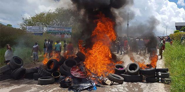 Centenas de venezuelanos deixaram o Brasil após ataques violentos em Pacaraima