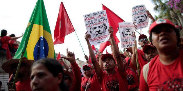Condenado por corrupção e lavagem de dinheiro em 2ª instância, Lula deve ter candidatura barrada pela...