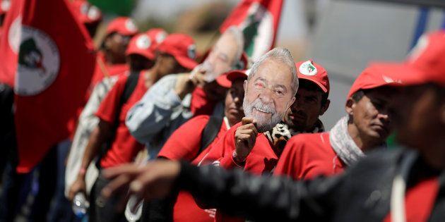 Lula está preso desde 7 de abril, cumprindo pena pela condenação em segunda instância de corrupção e...