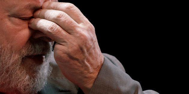 Relator da candidatura de Lula, Barroso vota por rejeitar o registro do