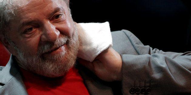 Por 6 votos a 1, TSE nega candidatura de Lula à