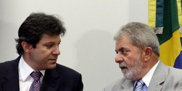 Haddad e Lula, em 2012. Haddad deve assumir cabeça de chapa da candidatura do PT à