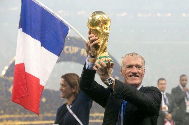 Campeão do mundo, Deschamps é o favorito para levar prêmio de melhor