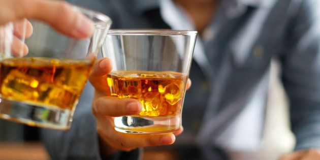 Os efeitos da ressaca no corpo permanecem mesmo depois que o álcool saí do