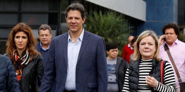 PT só irá decidir sobre substituição do Lula por Fernando Haddad após STF analisar recurso para manter...
