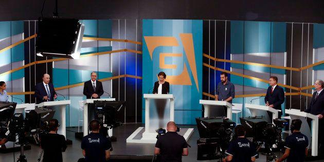 Primeiro debate sem Bolsonaro tem tom conciliador e apelo ao