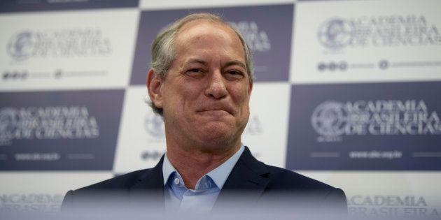Ciro aparece com 45% das intenções de voto em um segundo turno contra Bolsonaro, que tem