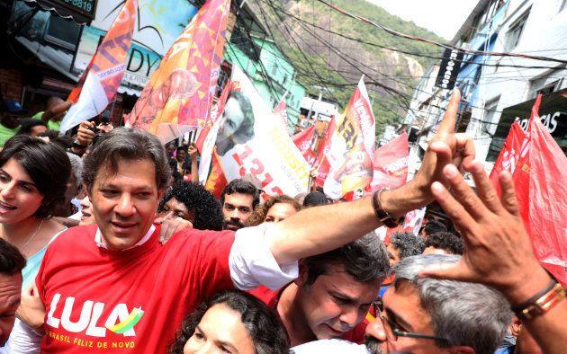 Em Vitória da Conquista, na Bahia, Haddad segue estratégia do PT para herdar votos de Lula na