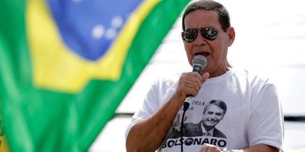 Vice de Bolsonaro, general Mourão afirmou que famílias