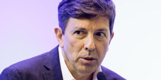 Amoêdo diz ter muitos obstáculos para apoiar os candidatos que lideram as pesquisas de intenção de votos...