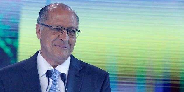 Geraldo Alckmin faz promessa em penúltimo debate, na TV