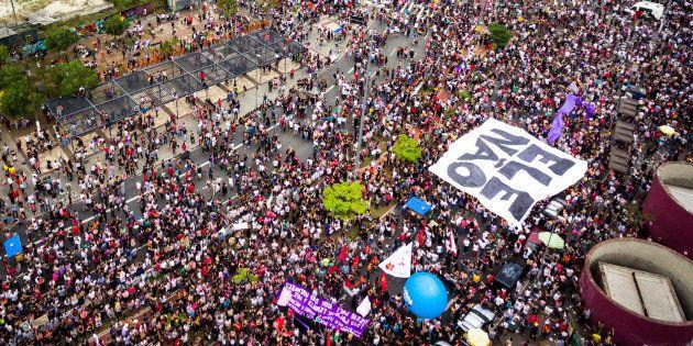 Em São Paulo, 80% dos manifestantes do ato contra Bolsonaro se declararam de esquerda e 89%